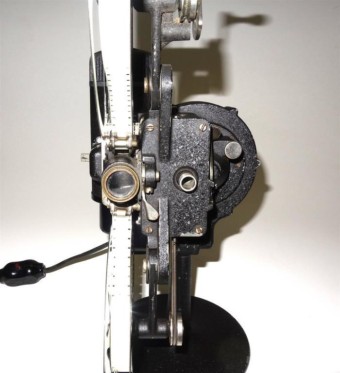 First Model 16MM Cinema Movie Projector, Circa 1923, Rare