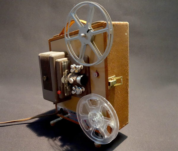 KEYSTONE MOVIE PROJECTOR CIRCA 1952 FOR HOME OR OFFICE DISPLAY  PRETTY  ORGANIC CONTEMPORARY LOOK